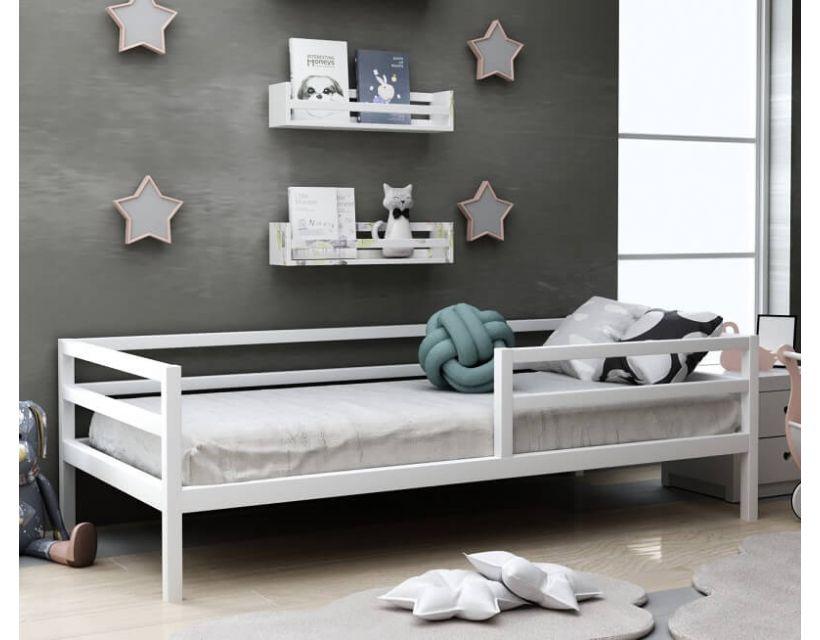 Детская деревянная кровать Киндер